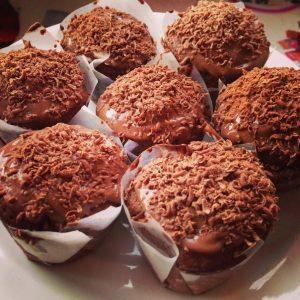 130212102403-130311150451-p-O-shokoladnie-maffini-s-shokoladom-i-oreshkami